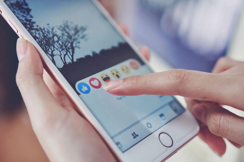 Faceboko aplikace